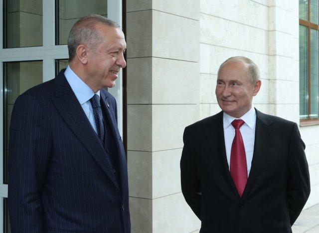 Vladimir Putin den Cumhurbaşkanı Erdoğan a Sputnik V aşı önerisi #1