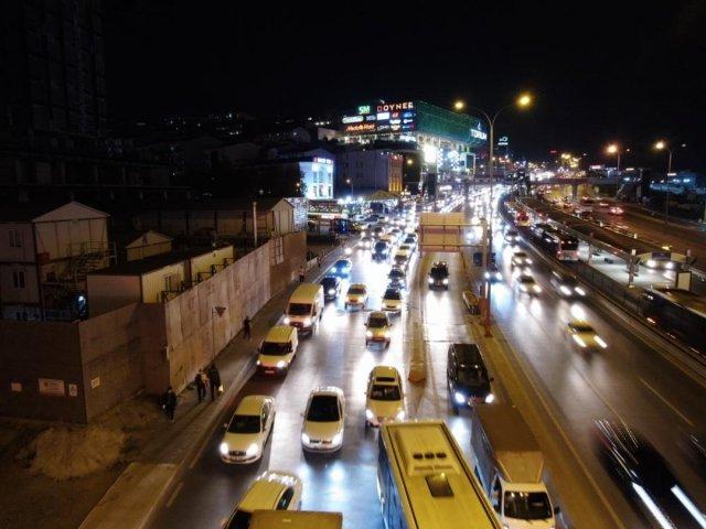 İstanbulluların trafik çilesi bitmiyor #4