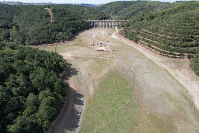 İstanbul da barajlar adeta çöle döndü #5