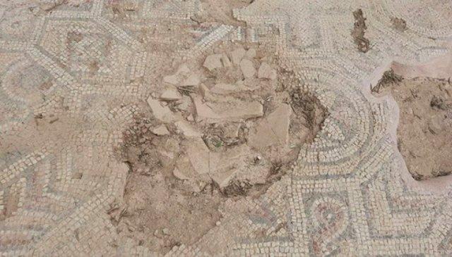 Bursa da kazı çalışmalarında mumyalanmış 3 iskelet bulundu  #5