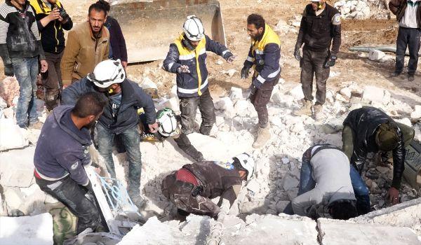 İdlib'e bombardıman sürüyor