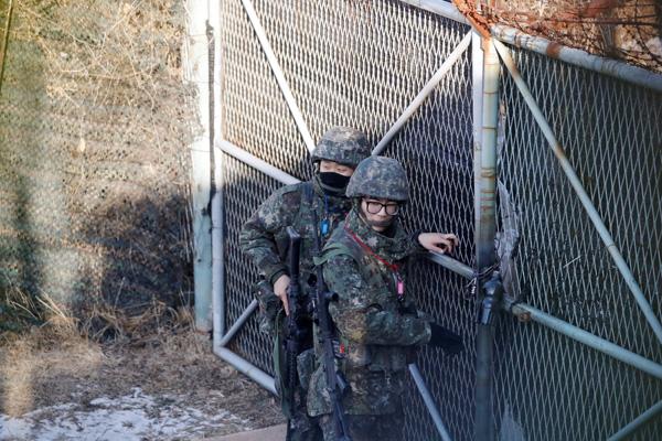 Kuzey Kore ile Güney Kore hattındaki sınır açıldı