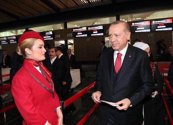 3. Havalimanında ilk bilet Başkan Erdoğan'ın