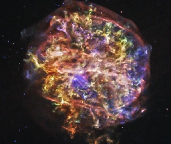 Süpernova kalıntısındaki maddelerin renk cümbüşü