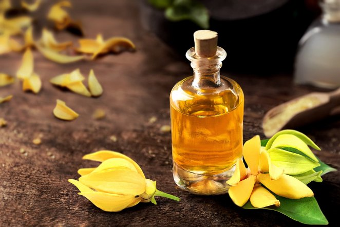 3 oils #2 to help you deal with frizzy hair