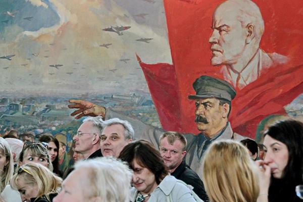 Почему Сталин осторожничал в 1917 году: История: Наука и ...