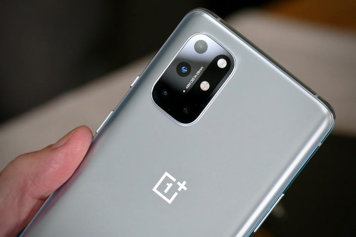 OnePlus 8 Pro Charge