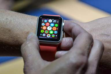 apple watch hands on 7