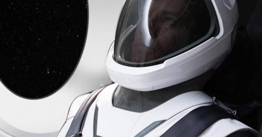 Elon Musk Finally Unveils the SpaceX Spacesuit | Digital ...