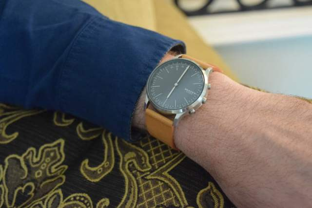 fossil fashion first smartwatches are doing what tech companies never could ces  at