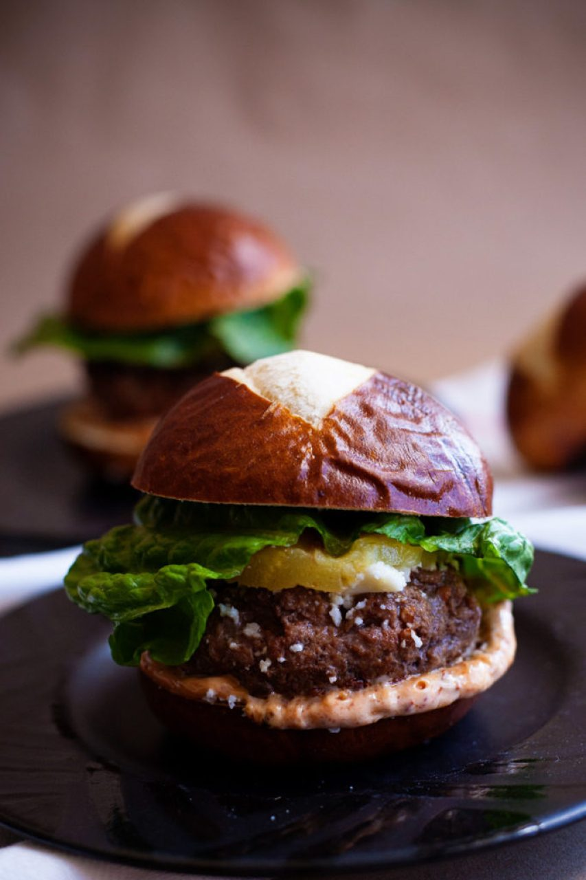 These tangy, spicy Chipoltle Sliders must be added to your collection of hamburger slider recipes! The perfect burger for your barbecue! Slider recipes, hamburger recipes