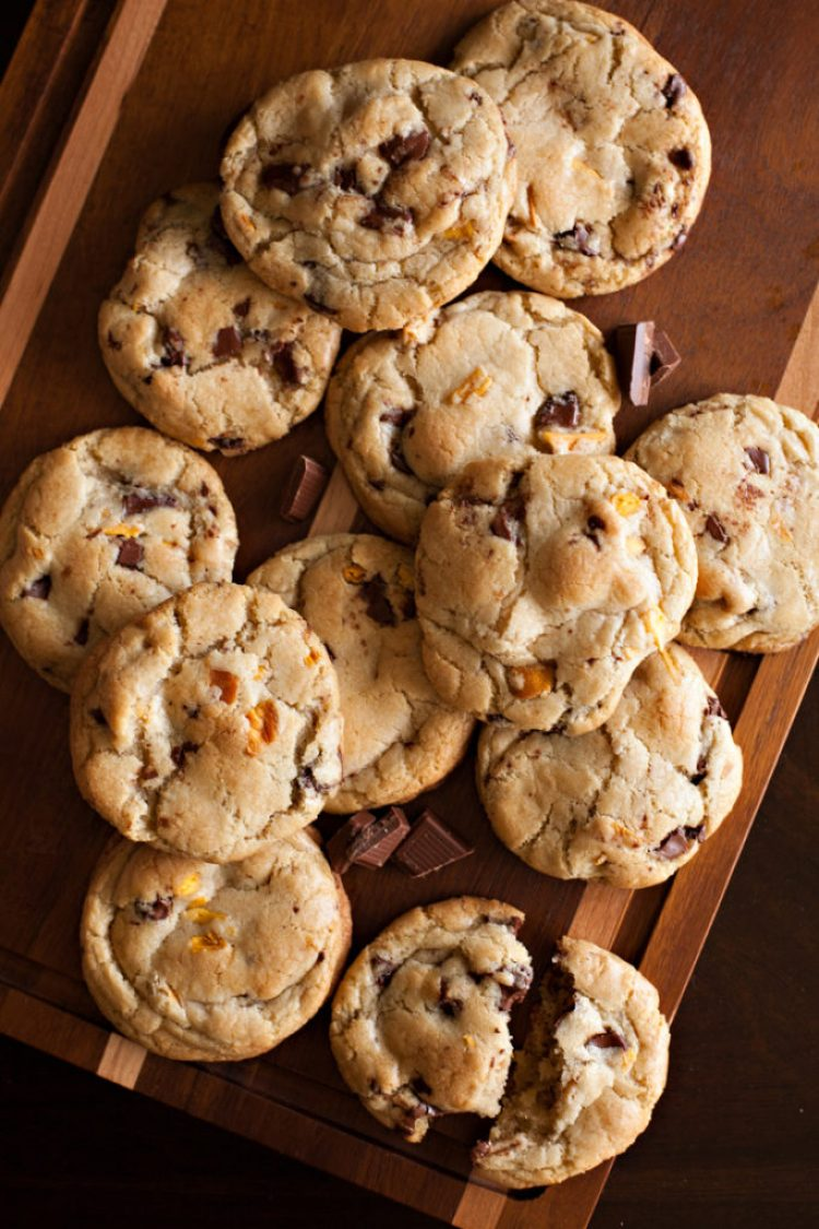 Mango Dark Chocolate Chunk Cookies. RubySnap copycat cookies.