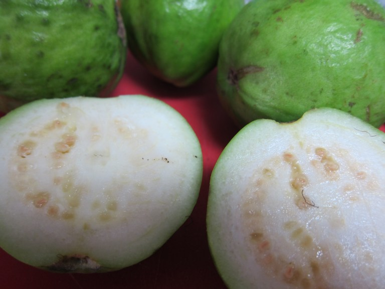 Cutting guava