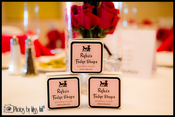 iceland-fudge-wedding-favor