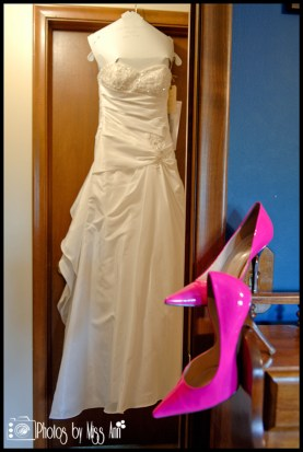 hot-pink-bridal-shoes-iceland-wedding-accessories