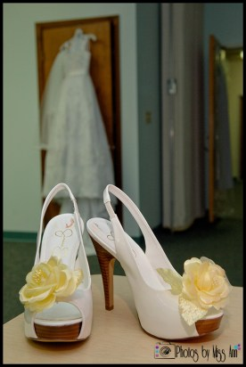 iceland-bridal-shoes-yellow-flower-shoe-clip-spring-wedding-iceland