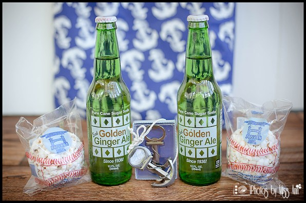 infinity-yacht-wedding-michigan-wedding-favors-golden-ginger-ale-boat-wedding-favors-photos-by-miss-ann