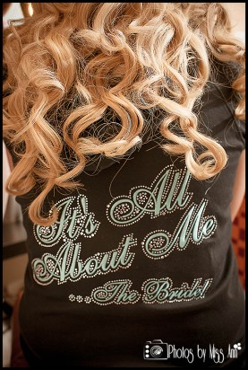 its-all-about-the-bride-sweatshirt-iceland-wedding-photos
