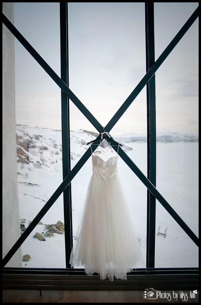 iceland-destination-wedding-dress-ion-nothern-lights-bar
