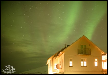 hotel-budir-northern-lights-iceland-wedding-photographer-photos-by-miss-ann