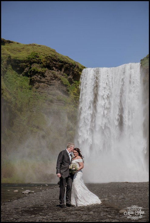 iceland-wedding-skogafoss