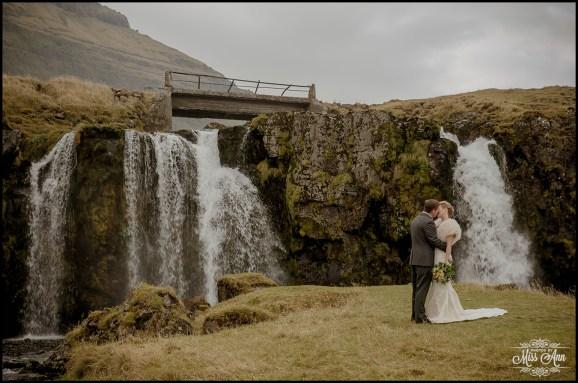 iceland-wedding-kirkjufellsfoss-waterfall