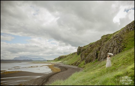 hvitserkur-sea-arch-iceland-wedding-photographer-7