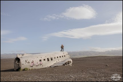 iceland-wedding-airplane-location
