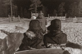 winter-wedding-sleigh-ride-finnish-lapland