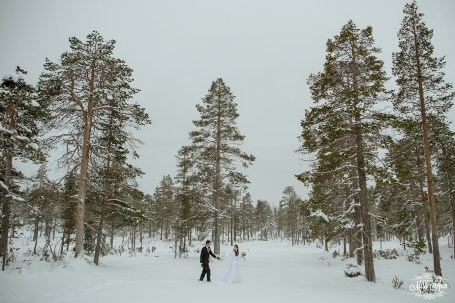Finland Destination Wedding Igloo Hotel Photos by Miss Ann-41