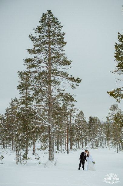 Finland Destination Wedding Igloo Hotel Photos by Miss Ann-43