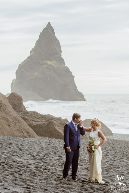 iceland-basalt-rock-pillar-wedding-photos