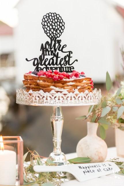 iceland-wedding-rental-wedding-cake-display
