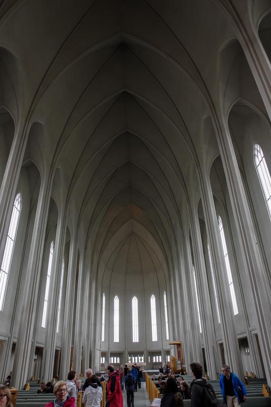 hallgrims church inside