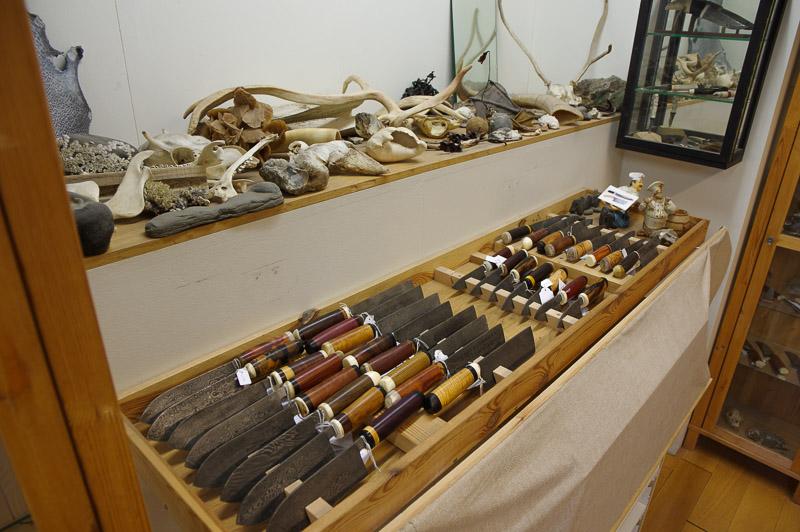 alafoss street knifemaker (1 of 1)