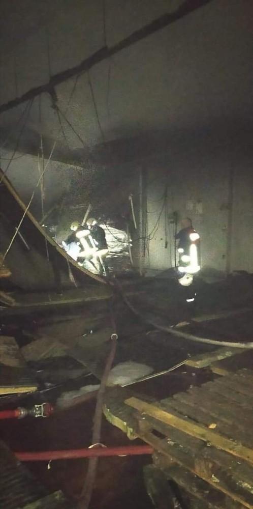 Fabrikada çıkan yangın maddi hasara neden oldu