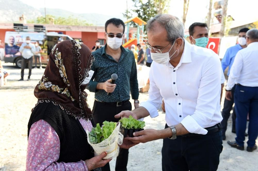 Tarsus'ta ata mirası yerli tohumlar köylülere dağıtılıyor