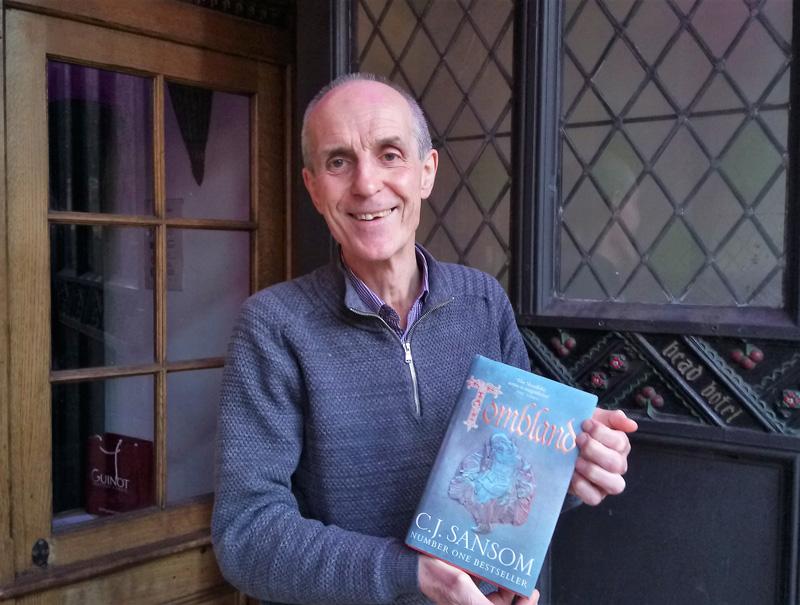 Norwich tour guide Paul Dickson