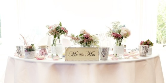 Flower Monkey Pinks Sweetheart Table