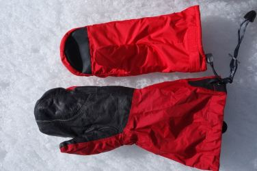 Outdoor Research Alti Mitts 09