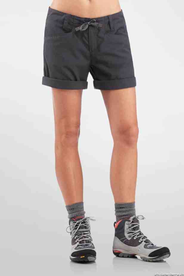 Icebreaker_W_FW14_SH_First_Layers_Wmns_Destiny_Shorts_Monsoon_Model_101012D34_4