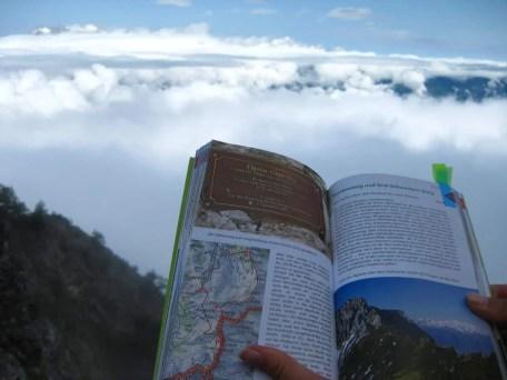 Rohter Wanderbuch Ostschweiz Buendnerland 2