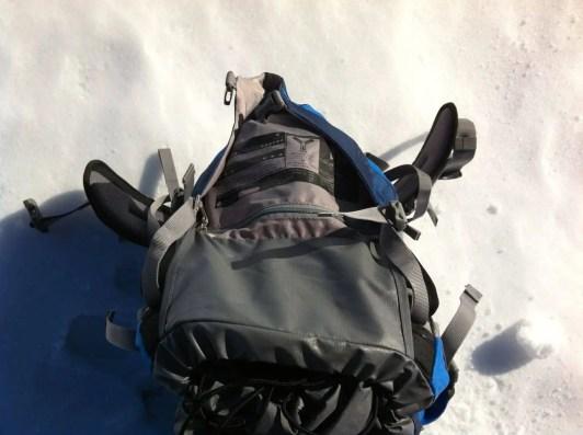 Schutzmaterial, vermeidet, dass die Deckeltasche klemmt beim Hochklappen und SOS Label