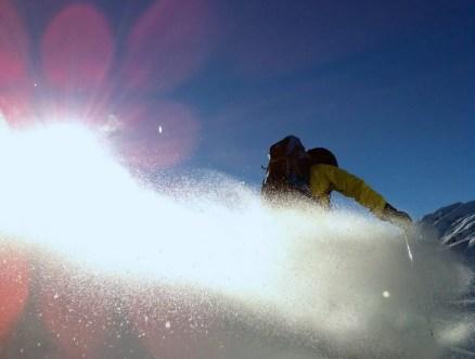 Stabil auf dem Rücken beim Skifahren