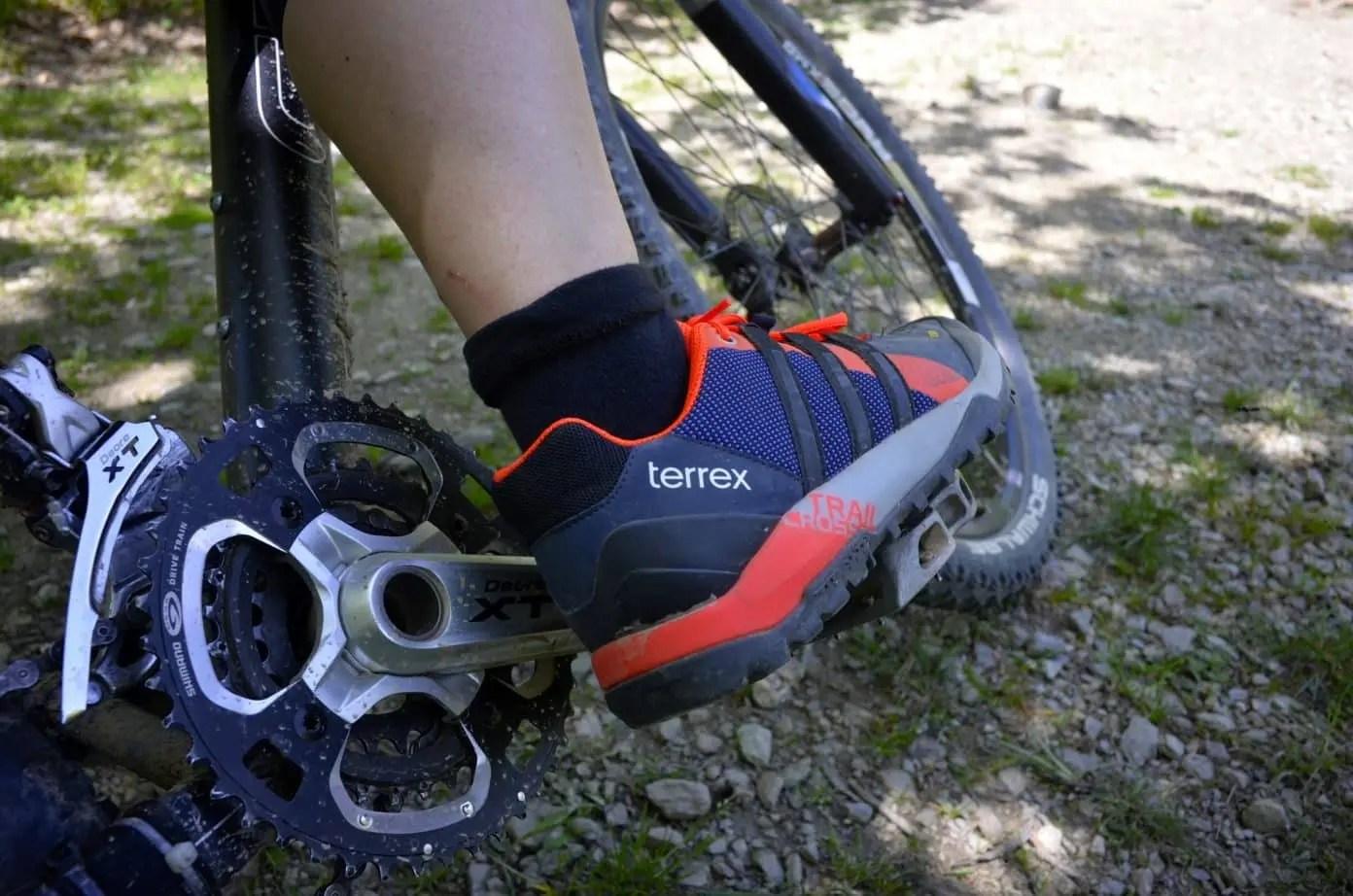 adidas terrex trail cross sl grau