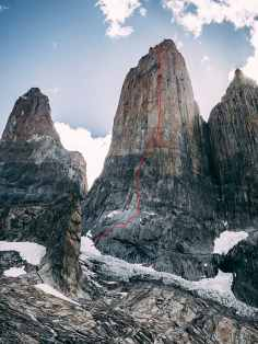 Topo of the route Riders on the storm in Torres del Paine