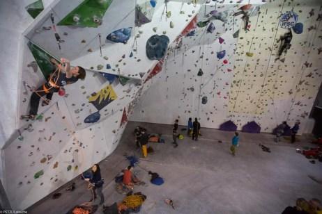 Klettern und sichern. photo: Lafouche/Petzl