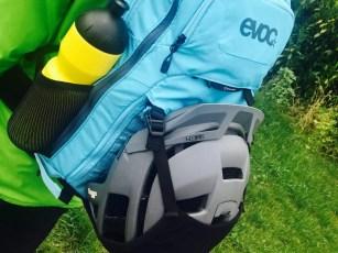 Evoc Stage 09_Helmet Carry