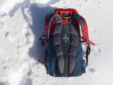 Der Hüftgurt kann entfernt werden, was den Rucksack schön schlank werden lässt.