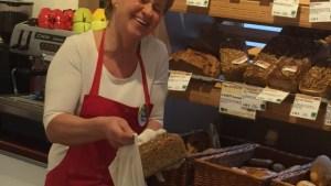 Unsere Rosi freut sich über die Brotsackerl